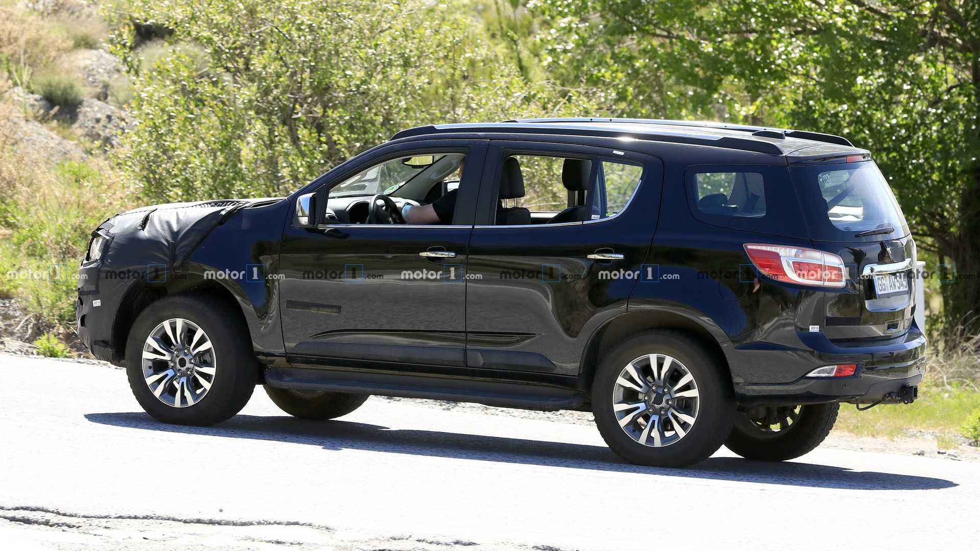 """2021 Chevrolet Trailblazer is the """"baby Blazer"""" to slot between Trax and Equinox   2019 Chevy ..."""