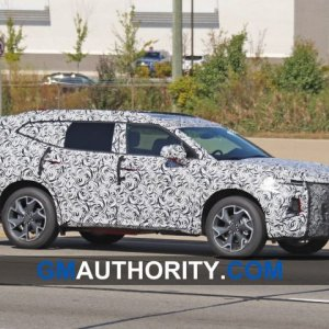 2020-Chevrolet-Blazer-XL-Spy-Shots-Exterior-October-2019-004-720x480.jpg