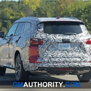 2020-Chevrolet-Blazer-XL-Spy-Shots-Exterior-October-2019-010-720x480.jpg